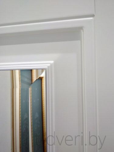 Фацет на зеркале в межкомнатной двери